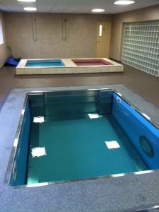 Empty water therapy pool