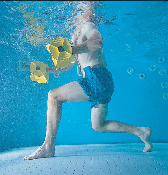 underwaterdumbellshot2000