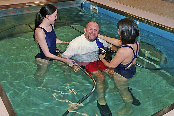 Aquatic Therapy Benefits For Traumatic Brain Spinal Cord Injuries