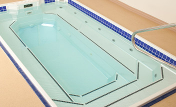 Empty HydroWorx Plunge Pool