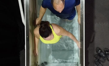 Top down view of two people in hydroworx EVO