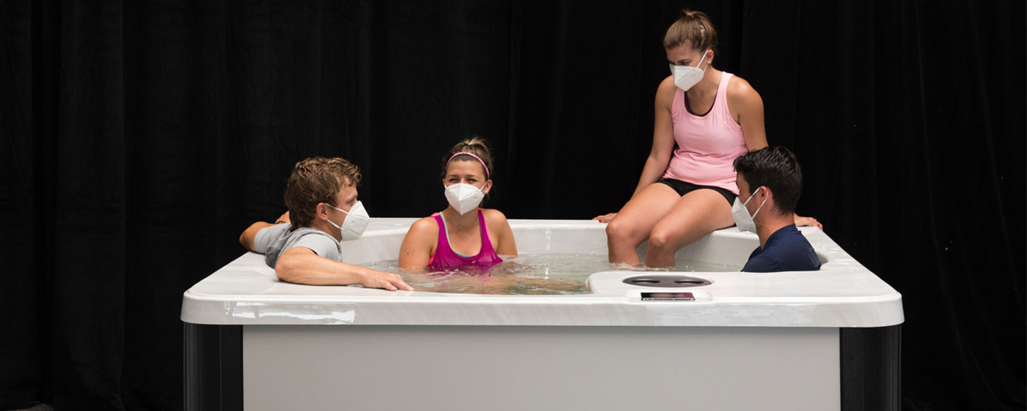 group of college kids using THRIVE Plunge